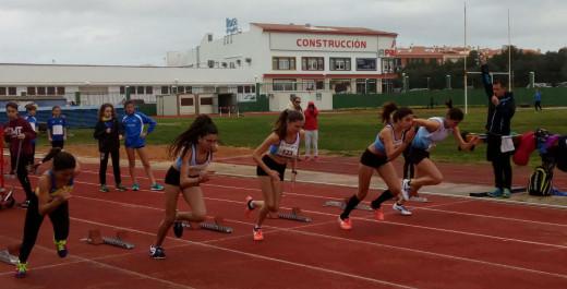 Salida de la prueba de los 60 metros femeninos (Fotos: Andrés Pulido)