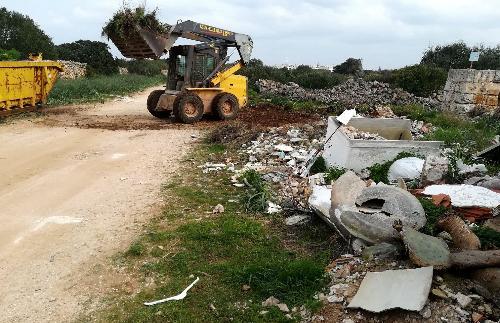 (Fotos) Fin a los vertidos y basuras en sa Vinyeta y sa Farola