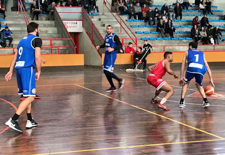 Dani García bota la pelota.