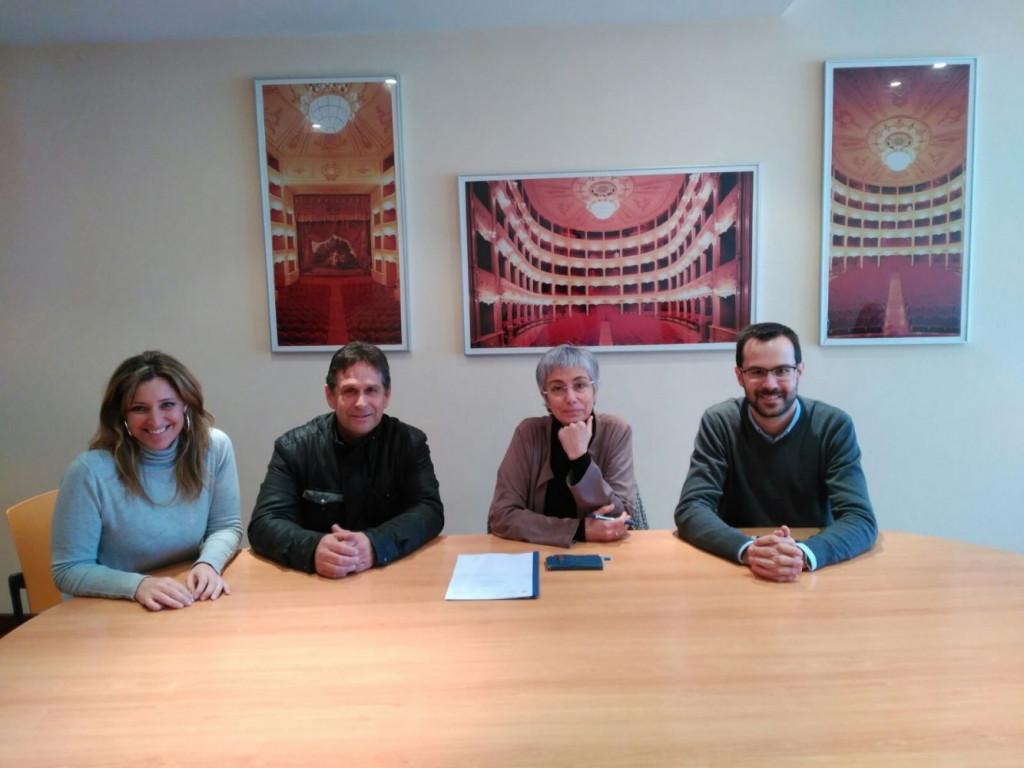 Imagen de la firma de renovación del convenio.