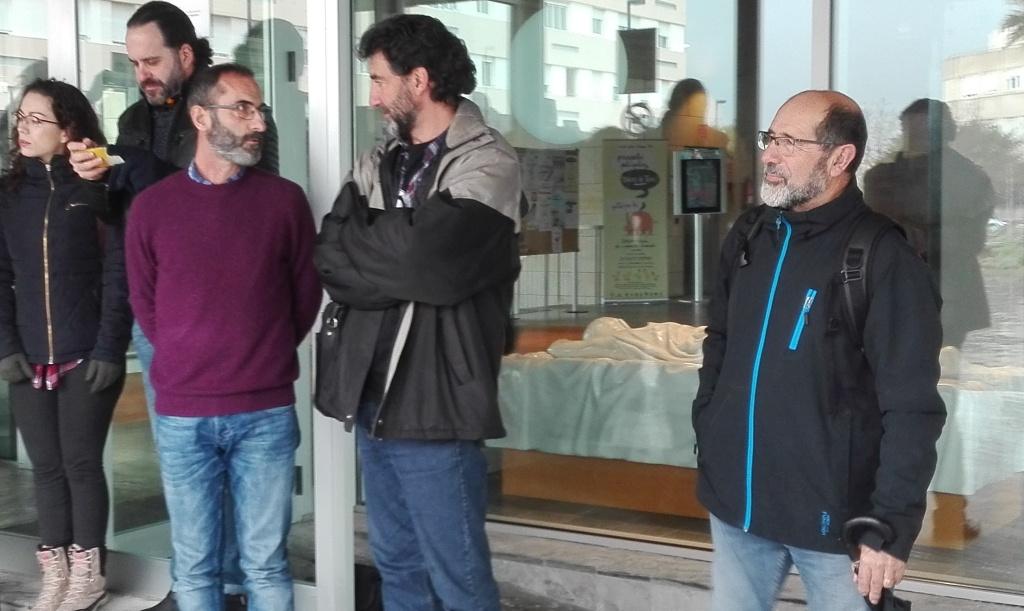 Miquel Camps y Miquel Preto dialogaron durante la concentración.