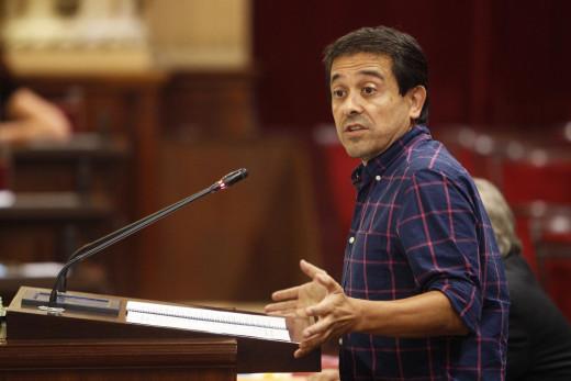 Nel Martí, en el Parlament (Foto: mallorcadiario.com)