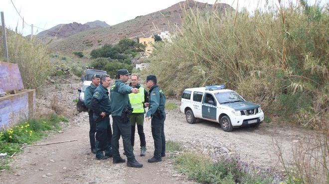 Guardia Civil buscando a un desaparecido.