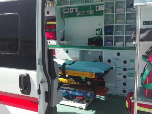 (Galería de fotos) Tres vehículos más para la Creu Roja de Menorca