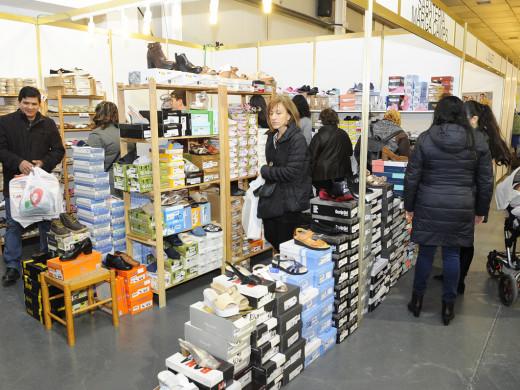 La Fira de stocks de Menorca planta cara al avance del negocio online
