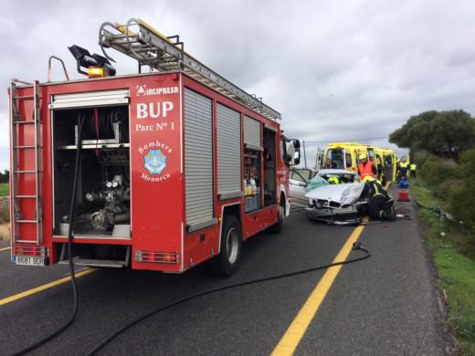 Camión de bomberos en un accidente.