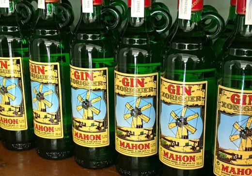 Botellas de Gin Xoriguer.