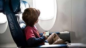 Mes reclama que Vueling recupere el servicio de acompañamiento a menores.