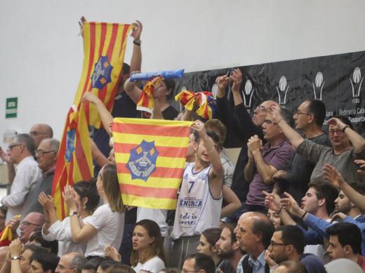 (Fotos y vídeo) El sueño del Bàsquet Menorca sigue vivo