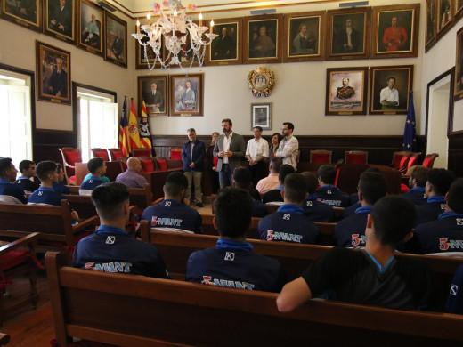 (Fotos) El Ajuntament de Maó rinde tributo al Sporting
