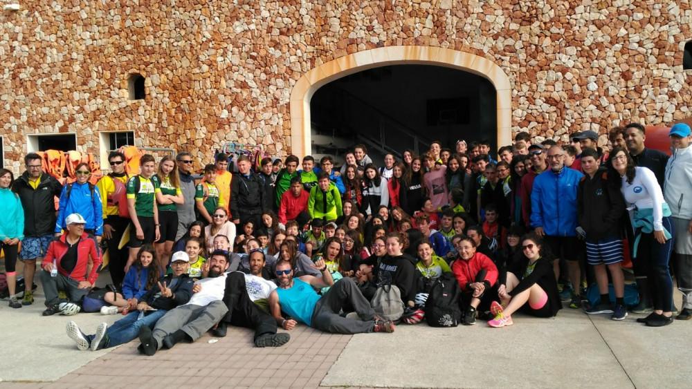 Foto de familia de todos los participantes en la jornada.
