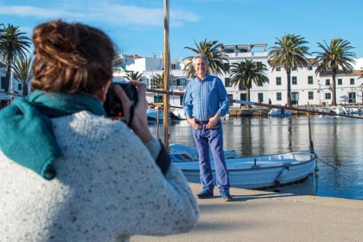 El actor ya estuvo hace unas semanas en Fornells realizándose las fotos para la publicación de los 30 años de la inmobiliaria.