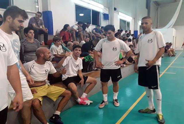 Descanso en un momento de la jornada (Fotos: deportesmenorca.com)