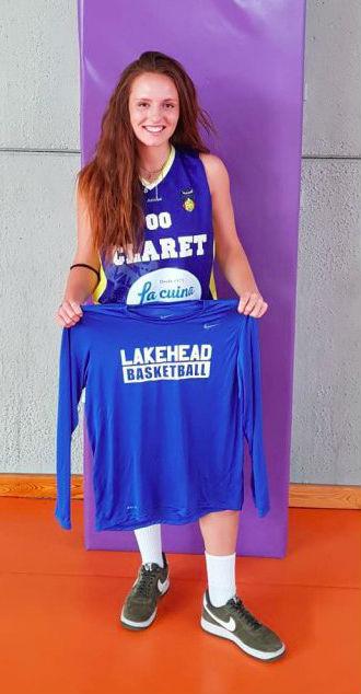 Aínsa, posando con la camiseta de su nuevo equipo.