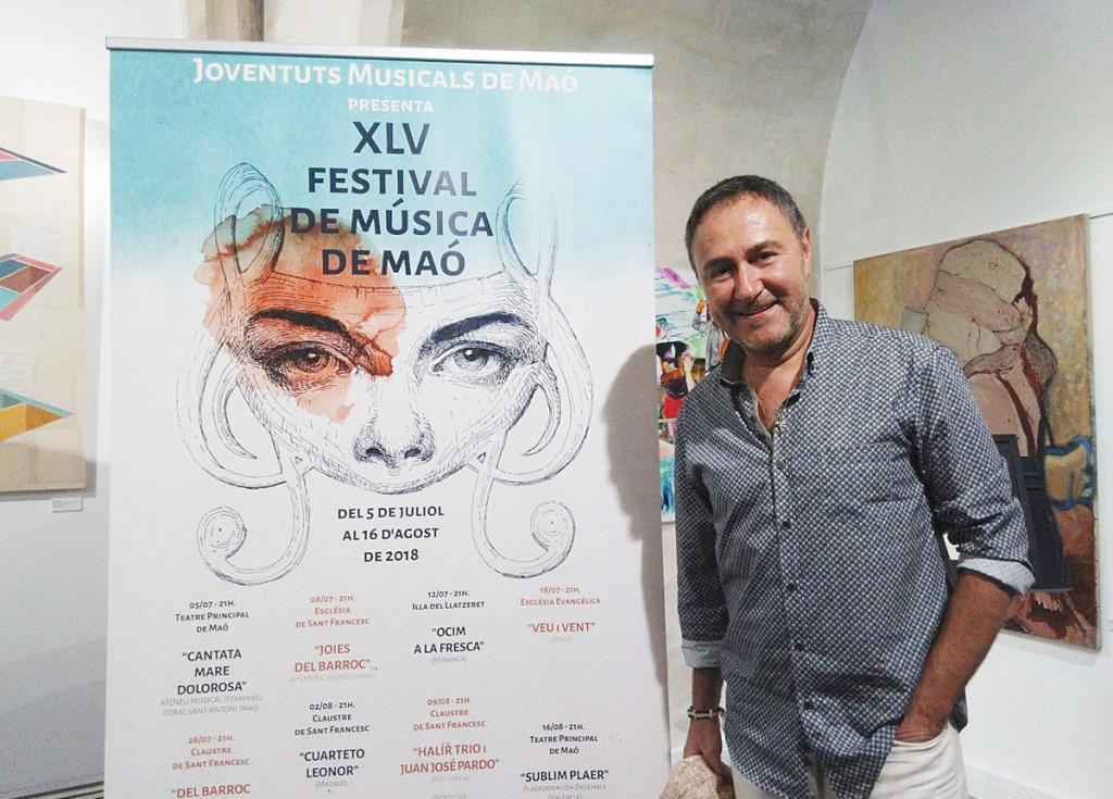Luis Sintes y el cartel del Festival