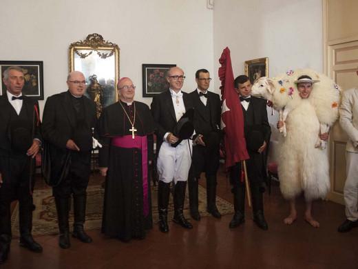 (Fotos) S'Homo des Be  da inicio a Sant Joan
