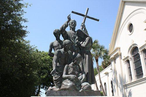 Esta estatua recuerda aquellos hechos