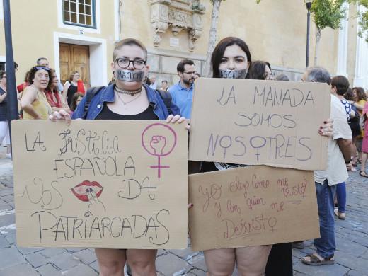 Maó muestra su rechazo a la libertad condicional de 'La Manada'