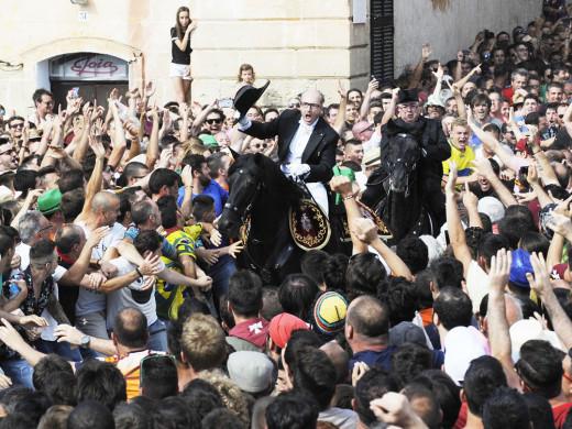 (Àlbum de fotos) Julio de Olives entra al galope en Es Born