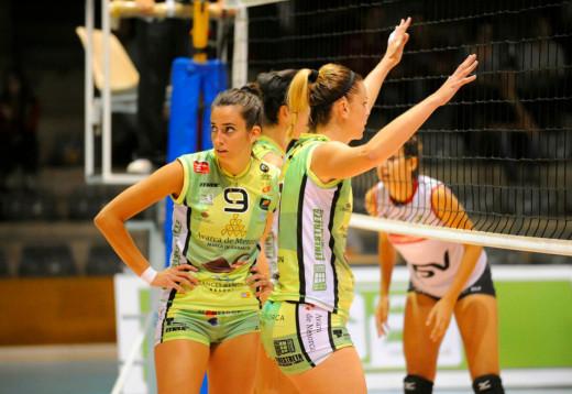 Daysa Delgado y María Barrasa, en un partido de la pasada temporada.