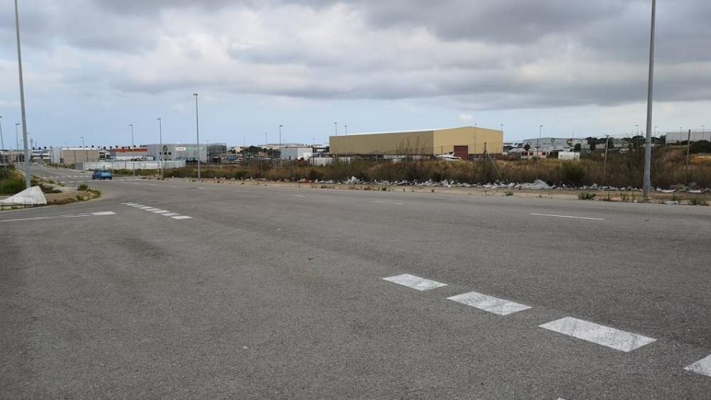Foto de la zona en la que se encuentran los bártulos desechados