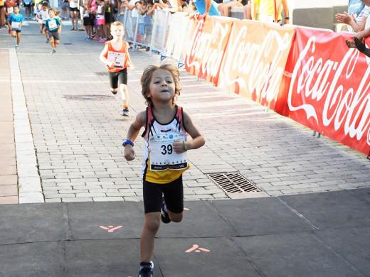 (Galería de fotos) Maria Pallicer y Nil Cubas vuelan en Sant Lluís