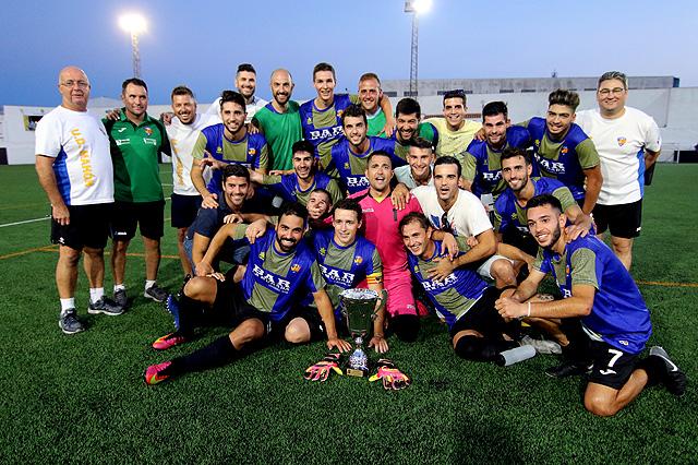 Celebración del título (Foto; deportesmenorca.com)