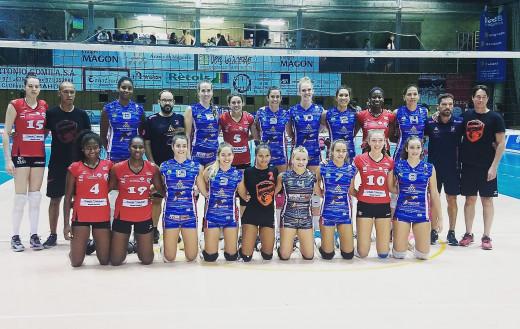 Foto de grupo de los dos equipos (Foto: CV Ciutadella)