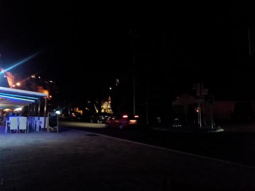 El puerto, a oscuras a las 22.15 horas de la noche.