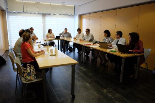 Reunión en el Consell Insular con represntantes de Vueling y AVIBA