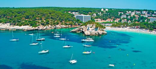 Embarcaciones en el mar (Foto: Ferrer Hotels)