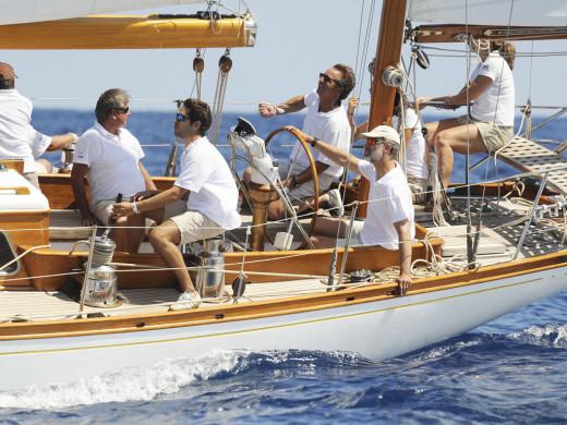 (Vídeo) Así ha navegado el Rey por aguas de Menorca