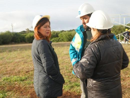 (Fotos) Francina Armengol inspecciona los daños en Menorca