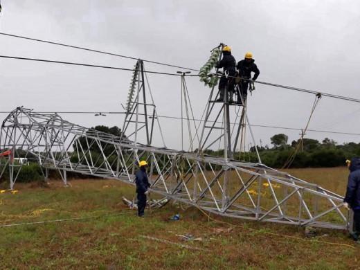(Fotos) Red Eléctrica asegura que restablecerá el suministro en un máximo de 48 horas