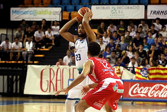 Richaud Pack busca a un compañero para asistir (Fotos: deportesmenorca.com)
