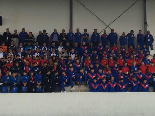 (Galería de fotos) Gran fiesta del fútbol base en Sant Lluís
