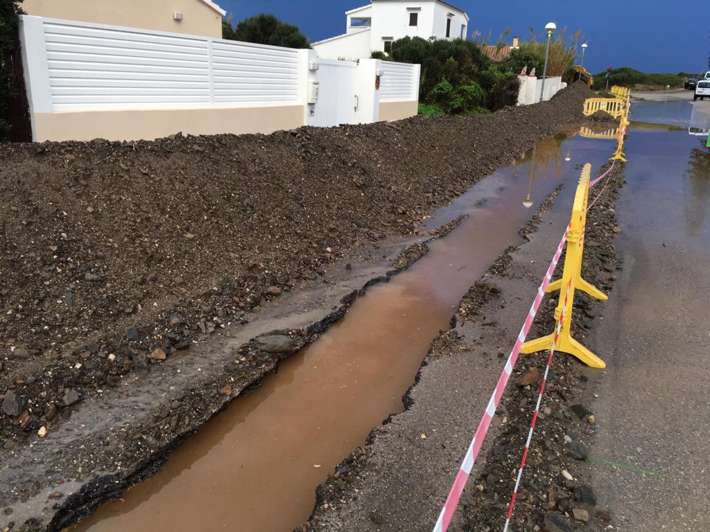 Las obras en Cala LLonga se han inundado co las lluvias de esta noche