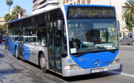 Autobús de la línea 1 que une la ciudad y el aeropuerto (Foto: EMT)