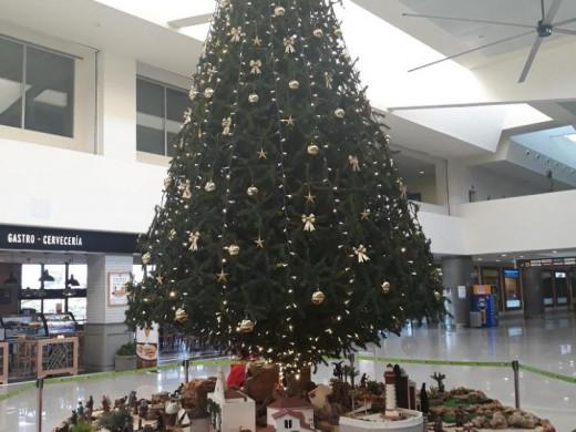 (Galería de fotos) El espectacular belén regresa al aeropuerto