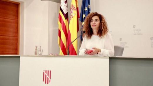La portavoz del Ejecutivo balear, Pilar Costa, ha presentado la oferta pública de empleo