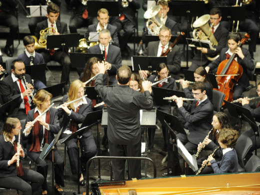 (Fotos) Kiev Portella fascina al Principal