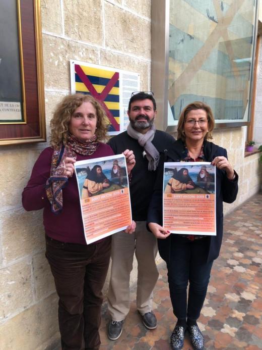 La alcaldesa de Alaior, Cia Sugrañes, ha presentado el programa de fiestas acompañada por su equipo