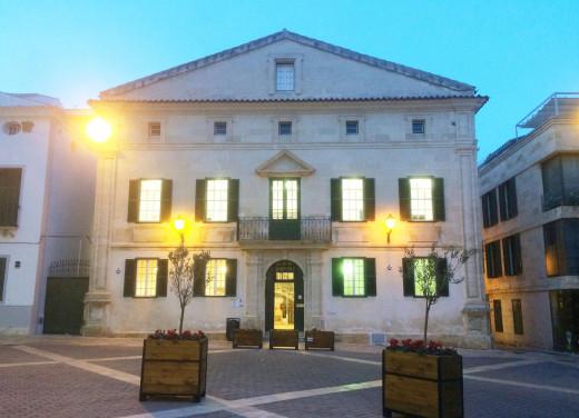 Biblioteca publica de Maó.
