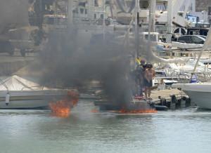 La Policia Portuaria sofocó las llamas con un extintor.