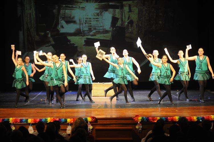 final de curso escuela de danza ute dahlteatre principal