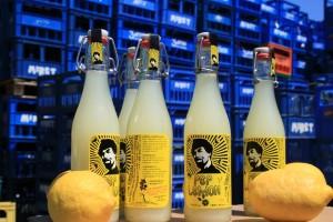 Imagen de algunas botellas de Pep Lemon.