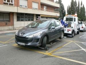 20429_la_grua_retiro__el_ano_pasado_un_52_mas_de_coches_que_en_el_2010