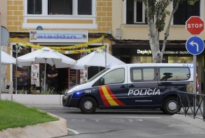 Dotaciones de la Policía, en el lugar del suceso.