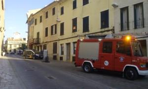 Los bomberos acudieron raudos para sofocar el conato de incendio. (Foto: Carol Carrera)