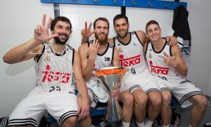 Celebración con Sergio, Reyes y Carroll.
